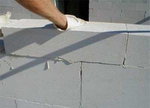 چیدن رج های دیوار هبلکس (اجرای دیوار هبلکس)