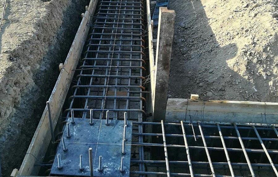 اتصال ورق کف ستون و ستون در کارگاه
