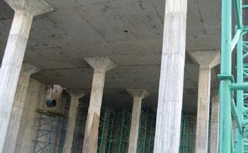 سقف دال تخت با کتیبه (سر ستون)