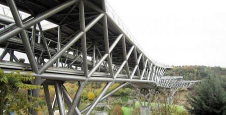 ساخت پل طبیعت تهران با استفاده از مقاطع HSS