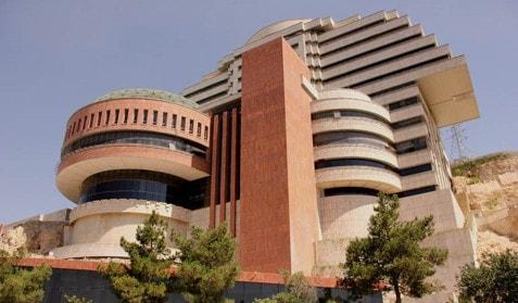 نامنظمی جرمی در ارتفاع سازه به علت طراحی معماری