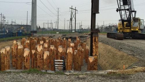 استفاده از شمع چوبی بهعنوان تکیه گاه در خاک سست