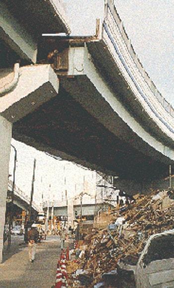 تغییر مکات عرشه ها به دلیل تسلیم یاتاقان پل (آسیب های وارد بر پل ها به دلیل نیروی زلزله)