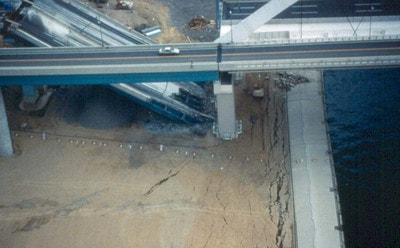 آسیب های وارد بر فونداسیون پل به دلیل نیرو های زلزله