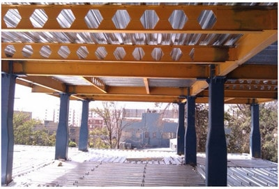 تیر فرعی از نوع لانهزنبوری در سقف عرشهفولادی