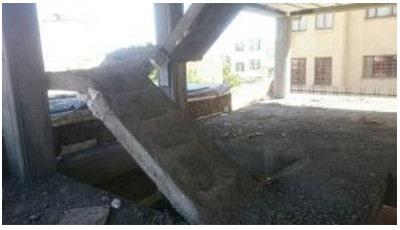 راه پله ساختمان دو طبقه