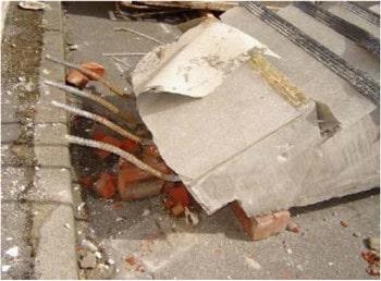 خرابی شمشیری و رمپ پله در اثر زلزله