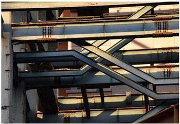 راه پله فلزی